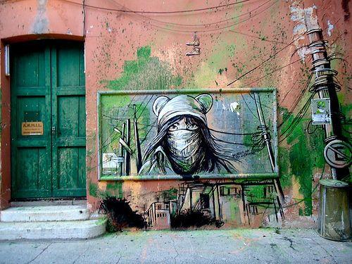 www.20keith.tk  Alicè Pasquini www.alicepasquini.com Alice Pasquini, illustratrice, scenografa, ma soprattutto artista d'arte visiva. Diplomata in Pittura presso l'Accademia di Belle Arti di Roma, dove vive e lavora, è specializzata in disegno d'anim #AlicePasquini- More #streetart at www.Streetart.nl