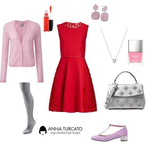 #Red #dress for a #blondie #lady Hai i capelli e occhi chiari e le vene dei tuoi polsi sono azzurre? Ami il rosso ma temi che sia poco adatto al tuo incarnato? Scegli un rosso brillante e raffreddalo abbinandolo al lilla, il grigio, anche argento e il rosa chiaro.  Per un #look fresco e luminoso che parlerà della tua unicità.  #unlookalgiorno #outfitoftheday #outfitfortoday #consulentedimmagine #imageconsultant #style #stylecoach #fashioncoach #fashion #lookoftheday #lookfortoday…