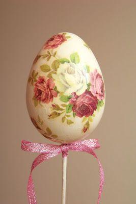 Easter egg - decoupage.