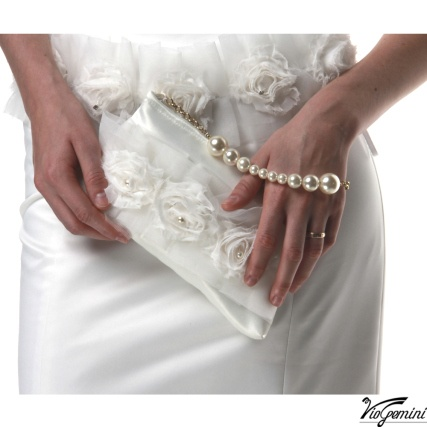 Bridal clutch with pearl handle