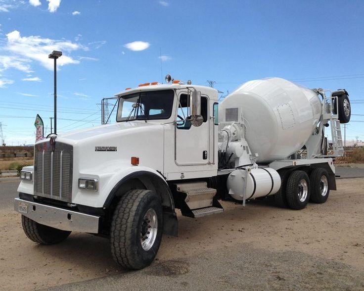 2002 Kenworth W900 mixer truck F & F Equipment, Alta