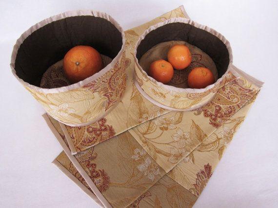 Paniers et napperons décoratif style russe par NeedlesOfSvetlana