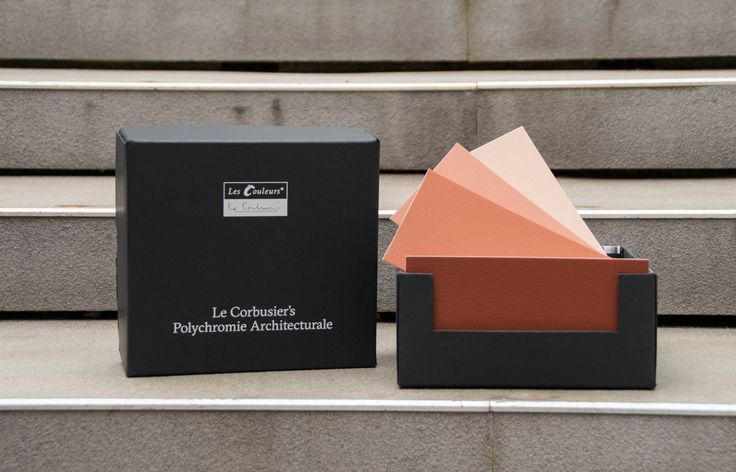 The Le Corbusier colours as handy colour cards - the practical tool for architectural colour design.  The 63 architectural colours of Le Corbusier's Architectural Polychromy  are painted in intensive manual labour with real wall paint on robust cardboard and packaged in a sturdy slip lid box.