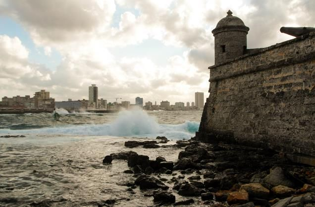 Fortaleza San Carlos de la Cabana Here is an excellent example of a fortress constructed in colonial times that is now a world heritage site! Located on the eastern side of Havana harbor, together with the El Moro fortress it holds several museums including one housing ancient weapons! See Che Guevara's former office here and a 19th map of the harbour!