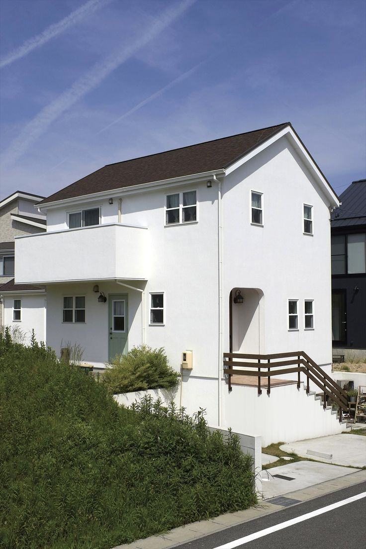 家/外観/エクステリア/切妻屋根/白い家/塗り壁/ウッドフェンス/ナチュラルスタイル/注文住宅/ジャストの家/house/home/exterior