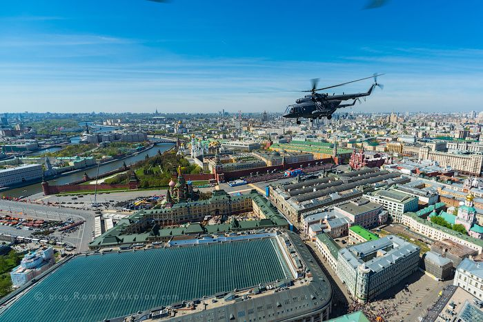 Полёт над Москвой во время репетиции Парада