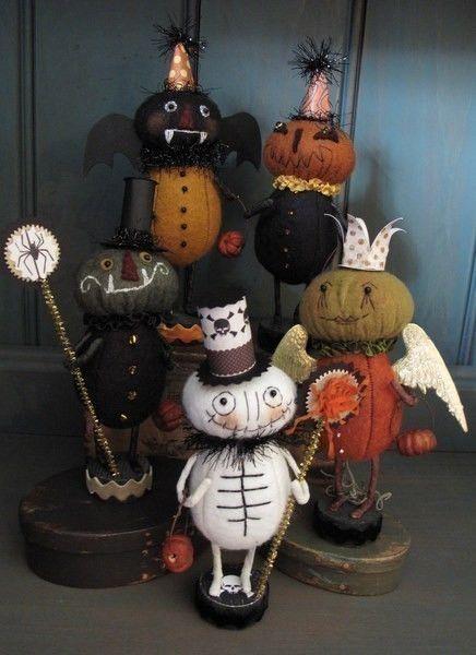 Primitive Folk Art Halloween Trick or Treaters  via Etsy.