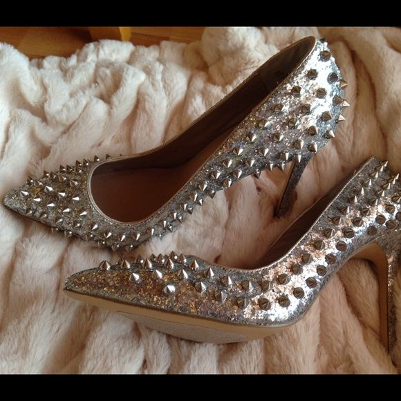 Shoemint Zoe heels Edgy spiked embellishments and dusted glitter create the perfect balance of elegance and punk chic attitude. New! Never worn only tried on. Original box not available. Shoemint Shoes Heels