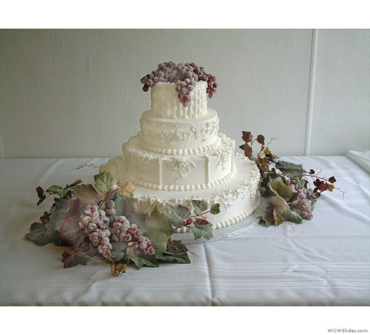 17 Best Images About Decorated And Wedding Cakes On Pinterest