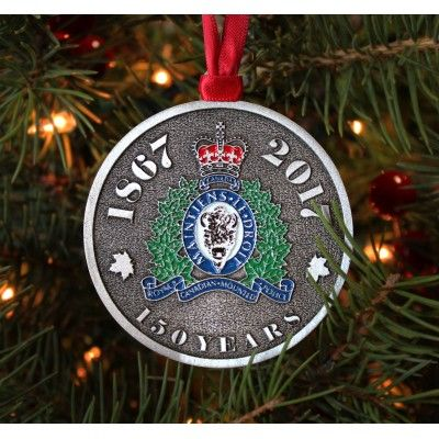 This ornament celebrates the integral role that the RCMP has played in building the Canadian nation. In honour of Canada's 150th anniversary, we have designed a collector's ornament featuring the full colour RCMP insignia.