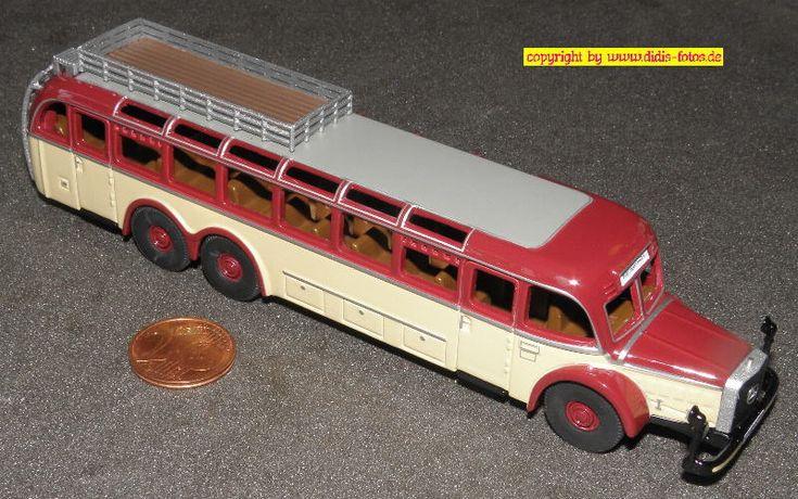 Daimler-Benz O-10000 Bus, beige/dkl.rot (BUB 07301 000) 1:87