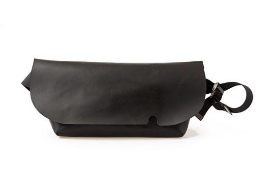 MESSENGER BAG (M)/BLACK