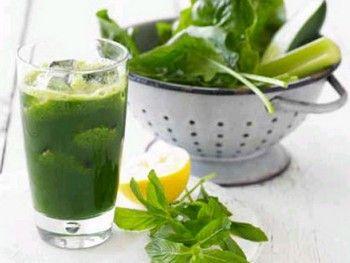 Frullato agli spinaci 10 frullati disintossicanti per depurare l'organismo