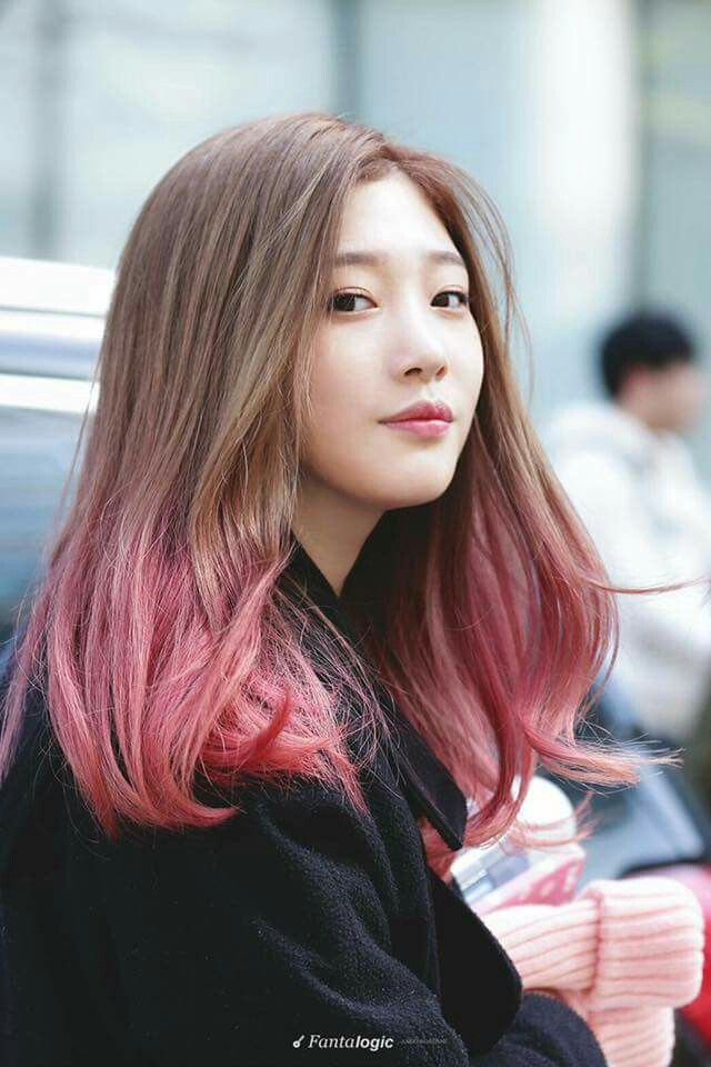 I'm dead, Jung Chaeyeon is so pretty