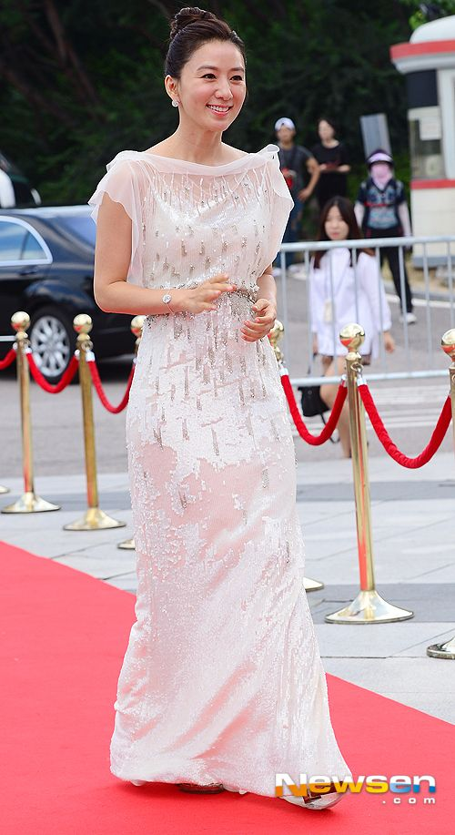 OMONA THEY DIDN'T! Endless charms, endless possibilities ♥ - Seoul International Drama Awards Fashion Post