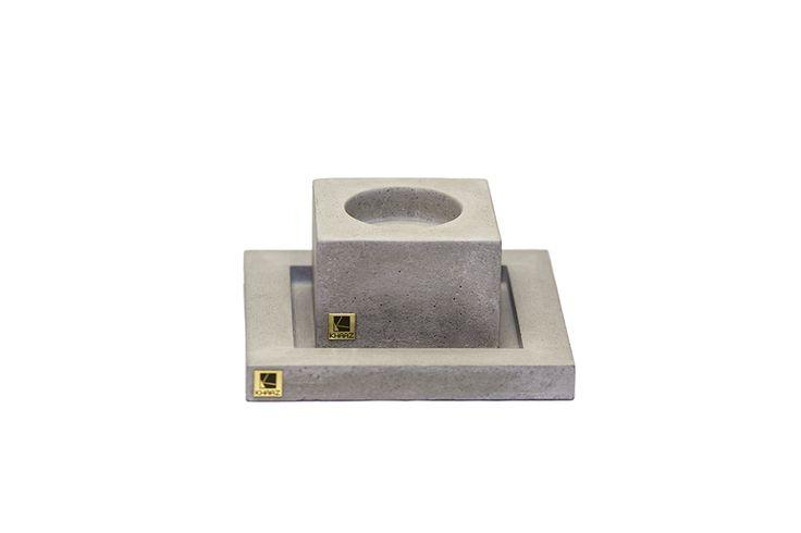 Zestaw świecznik Cobo Mini   podstawka Kare z betonu architektonicznego