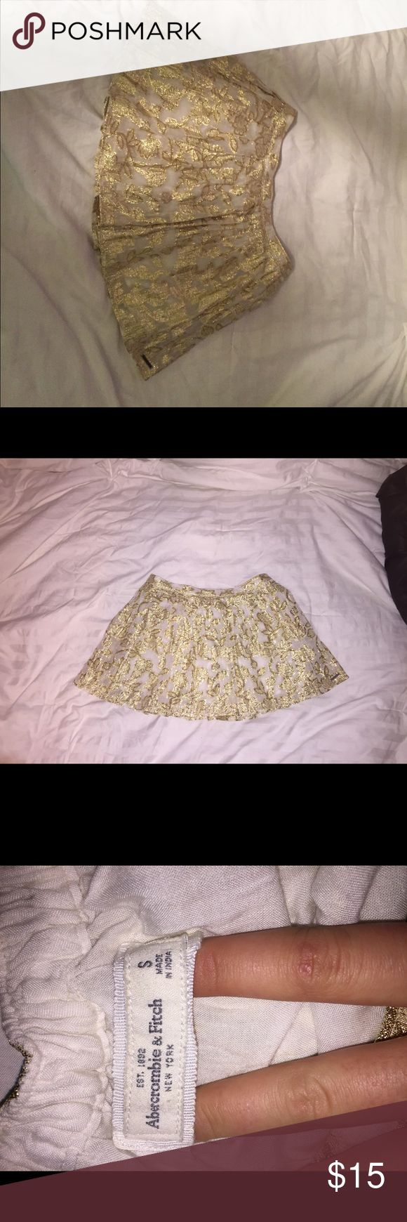 NWT ABERCROMBIE AND FITCH SKIRT SZ SMALL NWT ABERCROMBIE AND FITCH SKIRT SZ SMALL Abercrombie & Fitch Skirts Mini