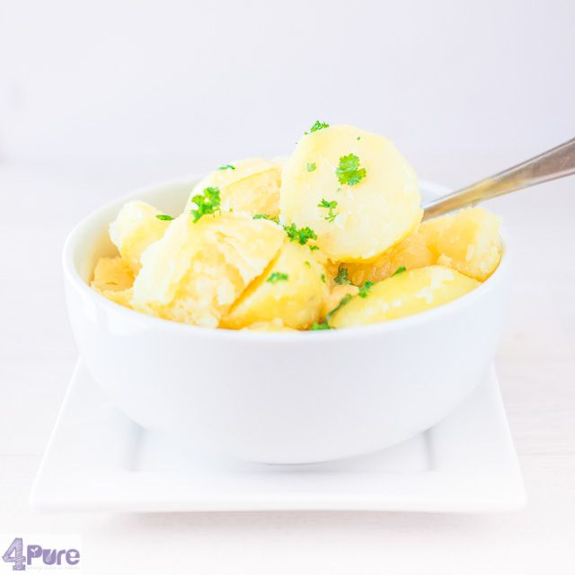Potatoes with chives parsley butter and a pinch of seasalt - English recipe - And this time in the spotlight a delicious floury potato, which gets his flavor by the adding of chives parsley butter and a pinch of seasalt. And that's all you need, believe me.