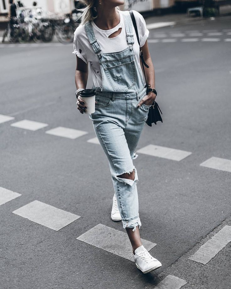 Denim Dungarees and sneaker day! Hope you're all enjoying your day! #ootd…
