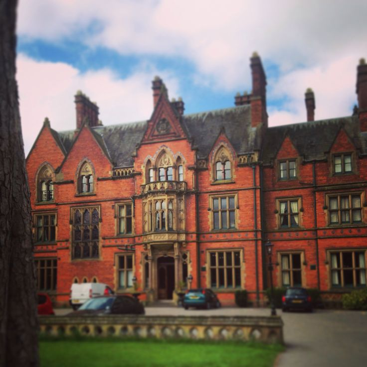 Wroxall Abbey in Warwickshire is an elegant and charming location for a classy wedding and can suite parties of all sizes... The food is amazing too!