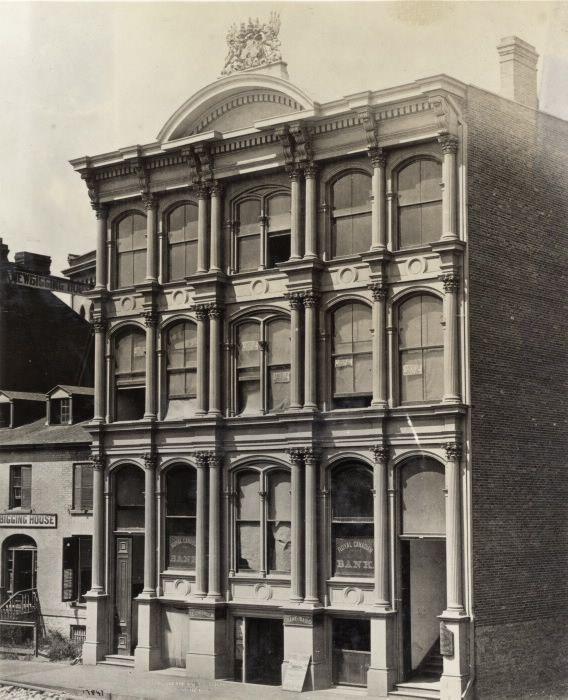 Royal Canadian Bank, Front St. E., n. side
