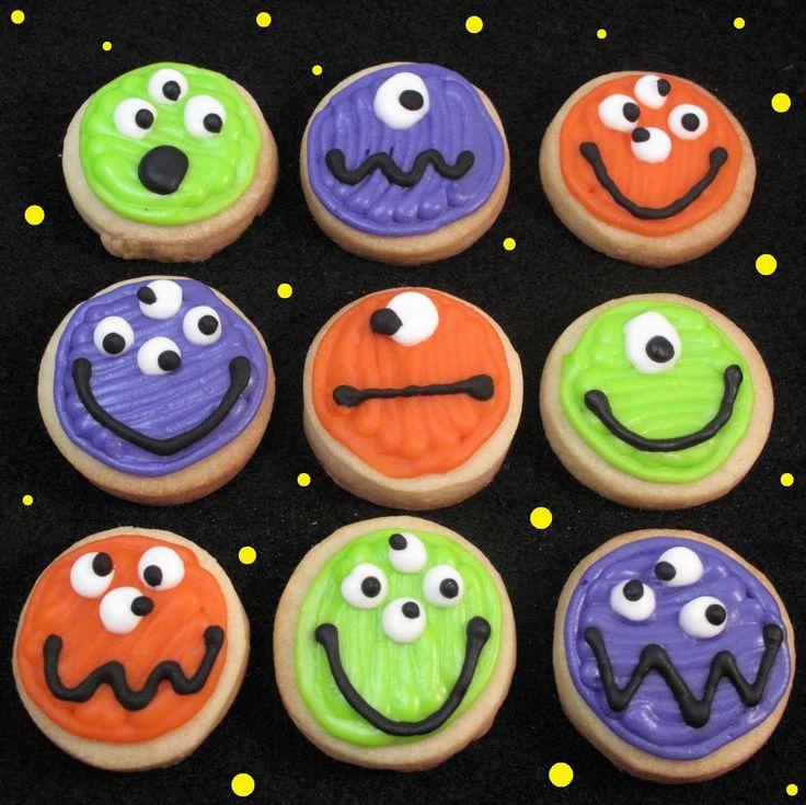 mini monster cookies for halloween