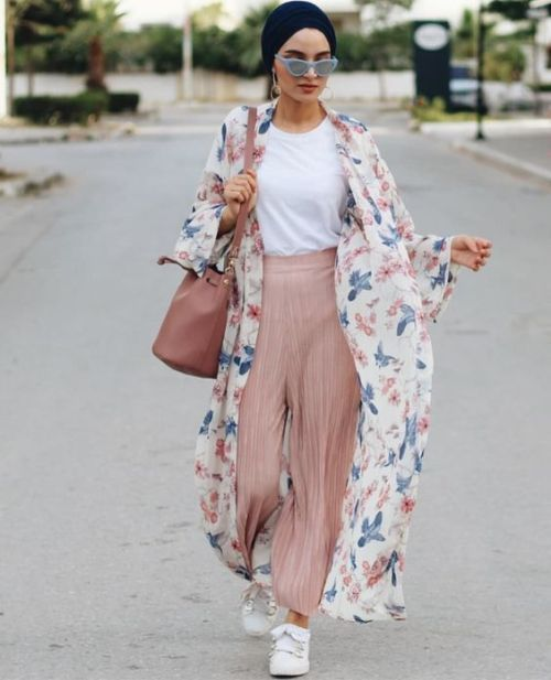 ee6946a2c9c Floral kimono-Modest Summer Fashion Trends You Need to Follow – Just Trendy  Girls