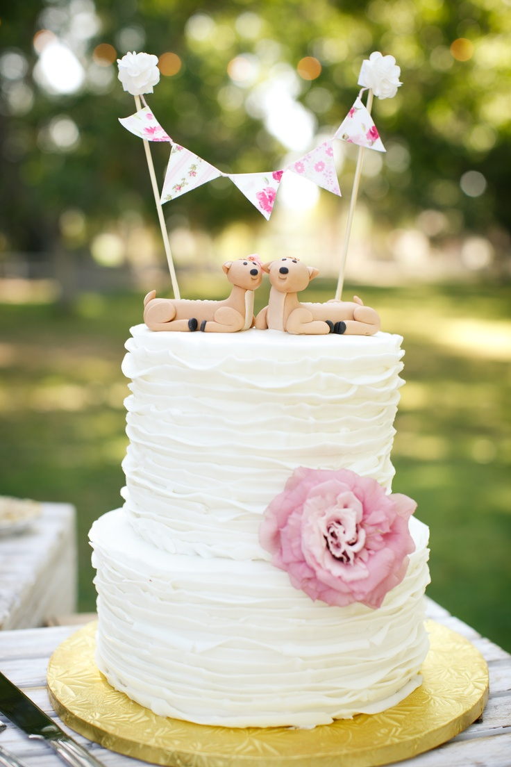 Country wedding ruffle cake with deer cake toppers    http://photobucket.com/bretandlibbyprofessionalpics