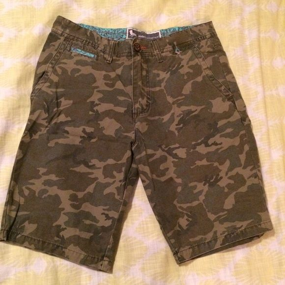 Modern Amusement men's camo shorts Camo, size 31, never worn and in great condition! PacSun Shorts