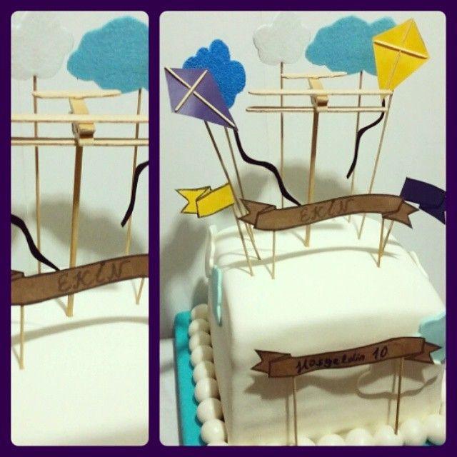 Ekin 10 yaşını uçarak karşıladı ✈  #uçak  #uçurtma ve tabii ki #Fb sevdası  Mutlu yaşlar Ekin #fly #air #plane #kite #cloud #cake #birthday