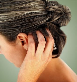 Dandruff Symptoms - Learn about Symptoms of Dandruff and make an informed decision! Start Consultation and Select Your Health Plan!