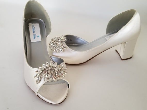 Ivory Wedding Shoes Block Heel Crystal Applique Design Ivory Etsy Wedding Shoes Block Heel Ivory Bridal Shoes Ivory Wedding Shoes