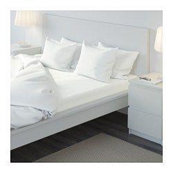 IKEA - ULLVIDE, Spannbettlaken, 140x200 cm, , Die Mischung aus Baumwolle und Lyocell nimmt Feuchtigkeit auf und lässt sie verdunsten - der Körper bleibt trocken.Dichtgewebte feinfädige Garne sorgen für angenehmen Griff und lange Haltbarkeit.Spannbettlaken mit eingearbeitetem Gummiband, passend für Matratzen bis zu 26 cm Stärke.