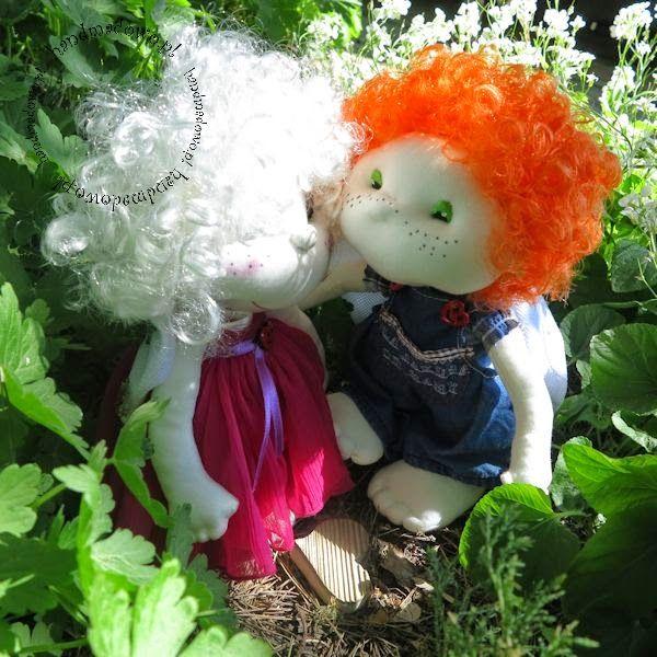HANDMADOWO: Zdjęcie rodzinne #handmade #doll #anioł #aniołek #angel #szyte #pszczoła #przebranie #ogrodniczki #spodnie #jeansy #fuksja