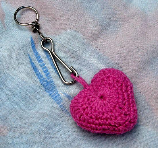 LLavero corazón en tejido crochet