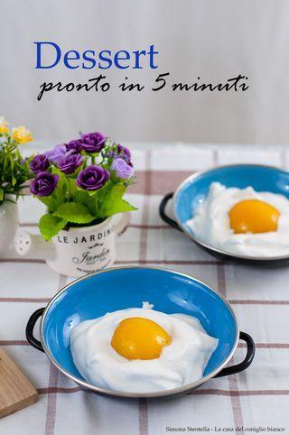 Ricordo della mia infanzia quando mia mamma mi faceva ridere moltissimo portandomi, a fine pasto, un uovo al tegamino! Ho rubato la sua idea e ve la propongo perché ha sempre riscosso un gran successo