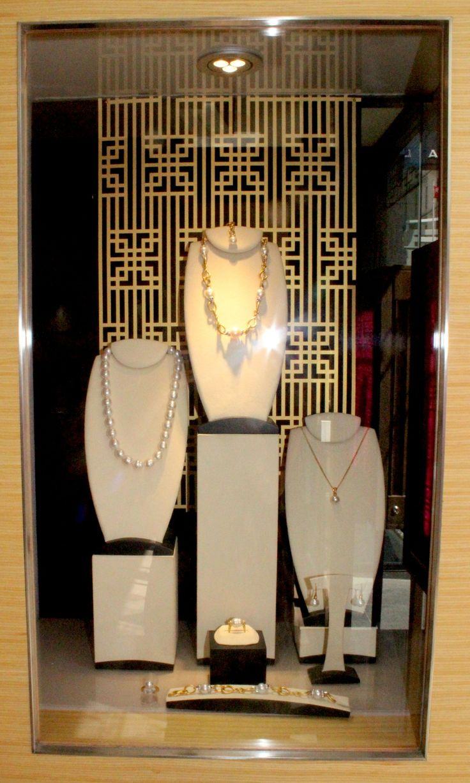 Chinese New Year Window Displays for Pearls Kailis Jewellery by Emily Brindley #emilybrindley #diy #windowdisplays #idea #oriental #screen #Jewellery #DIY #laser #holy #chic #holychic.com.au#cut #ChineseNewYear #pearls