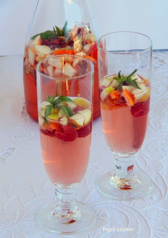 Rose wine sangria