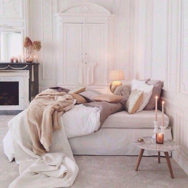 home accessory: bedding, neutral bedding set, classy, cute