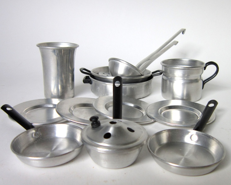 Vintage 1950s Aluminum Play Kitchen Wares #lkitchen #wares #gifts Like,  Repin,