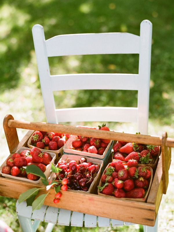 fruit basket - peaches, not strawberries - coule be a cool place to put escort cards on toothpicks or similar