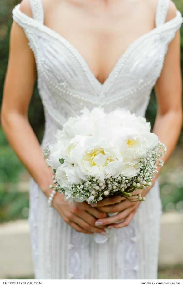 Beautiful, simple, elegant bouquet. See more of this celebrity wedding on theprettyblog.com | Photographer: Christine Meintjes Photography | Wedding Dress: Bondesio Couture |