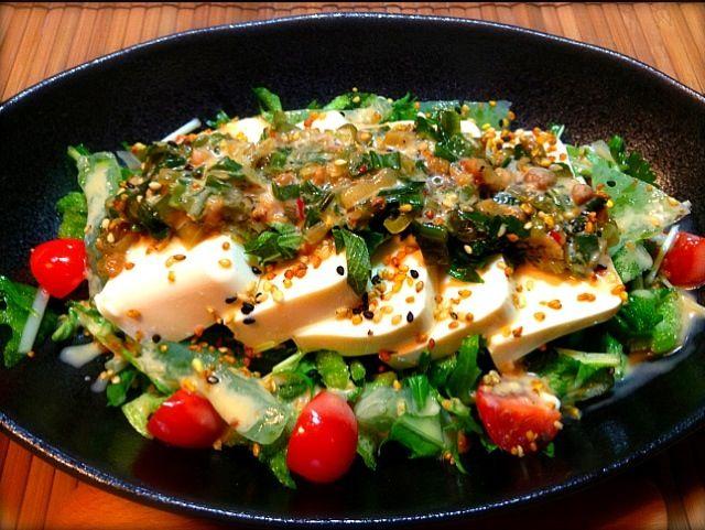 高崎で買った下仁田ネギと茨城で買ってきた蕎麦ゴマふりかけのコラボです - 64件のもぐもぐ - 塩だれ下仁田ねぎの豆腐サラダ  蕎麦ゴマ風味 by nnn04