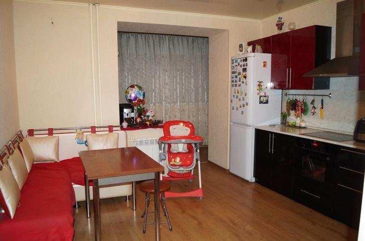 Cданные дома / 2-комн., Краснодар, Восточно-Кругликовская, 4 100 000 http://krasnodar-invest.ru/vtorichka/2-komn/realty248040.html  Уютная, чистая и аккуратная квартира с очень удобной планировкой: просторный холл, правильной формы; гостиная с выходом на лоджию, из которой мы можем пройти на кухню, ухоженную и гармоничную; раздельный с/у: большой метраж ванной комнаты позволит разместить там даже огромную джакузи; спальня в спокойных тонах, располагающая к отдыху, с выходом на вторую лоджию…