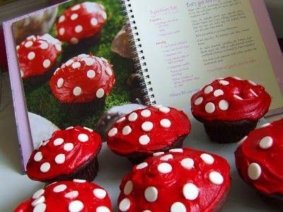 Waltzing Matilda: Woodland Fairy MushroomsBirthday Parties, Mushrooms Cupcakes, Fairies Mushrooms, White Chocolate, Chocolates Cupcakes, Toadstool Cupcakes, Cups Cake, Cupcakes Rosa-Choqu, Woodland Fairies