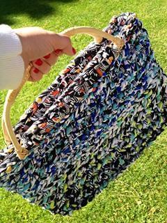 lovely people :) Hecho con amor y con nuestros materiales, por Adriana  #hechoamano #crochet #ganchillo #sacocharte #trapillo #asasmimbre