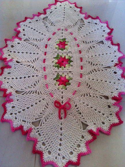 lindo tapete charmoso; com detalhes em barbante barroco R$ 44,00