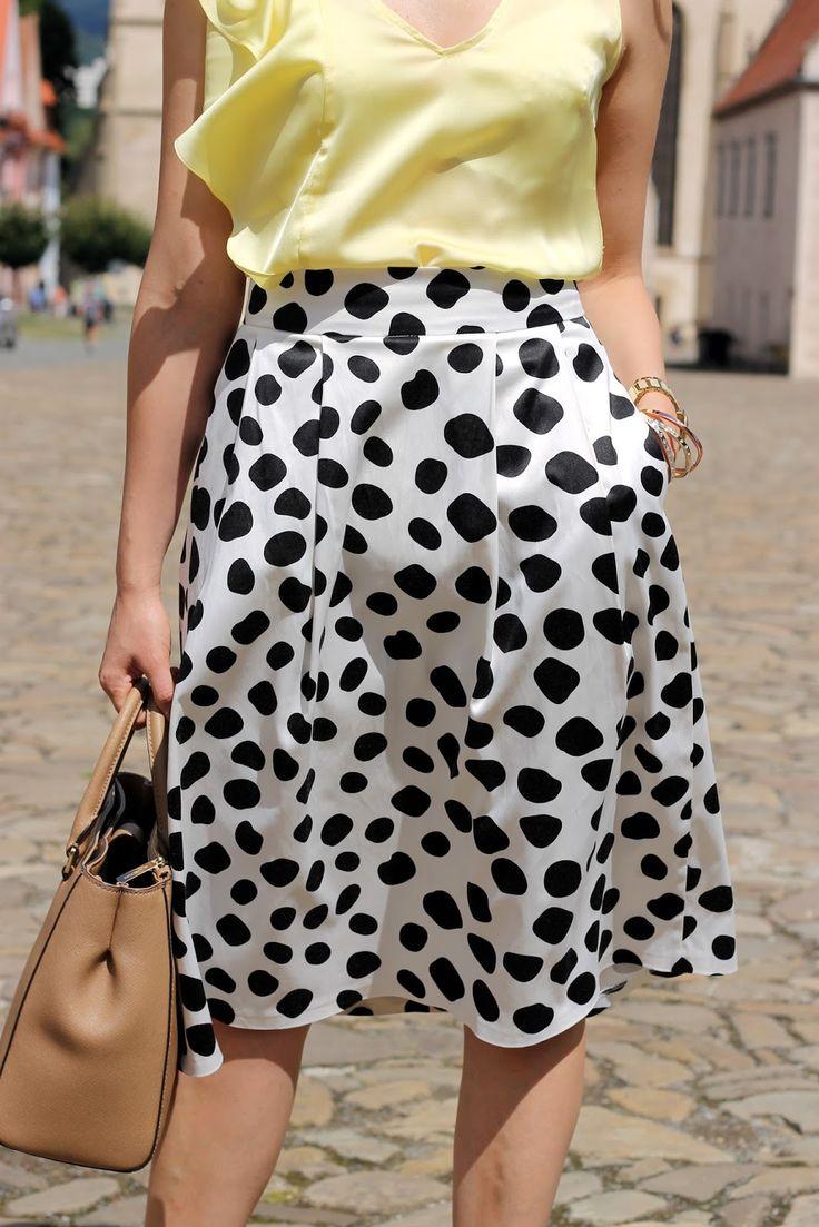 Summer look, black and white, dolka dot skirt, midi skirt