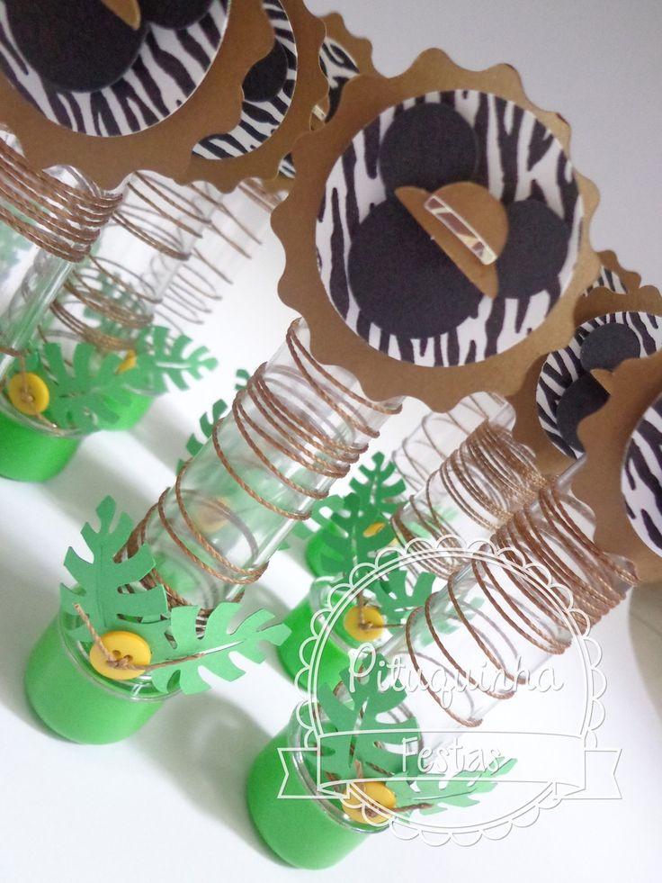 Tubete decorado para o tema Mickey Safari  Feita em papéis 180gr  Em diversas cores e estampas  Tubete de 13cm