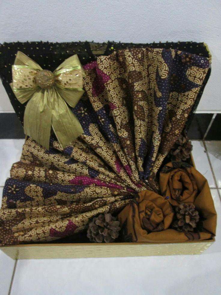 batik gift tray